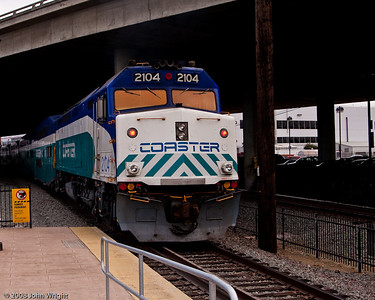 Coaster F40PH leaving Old Town