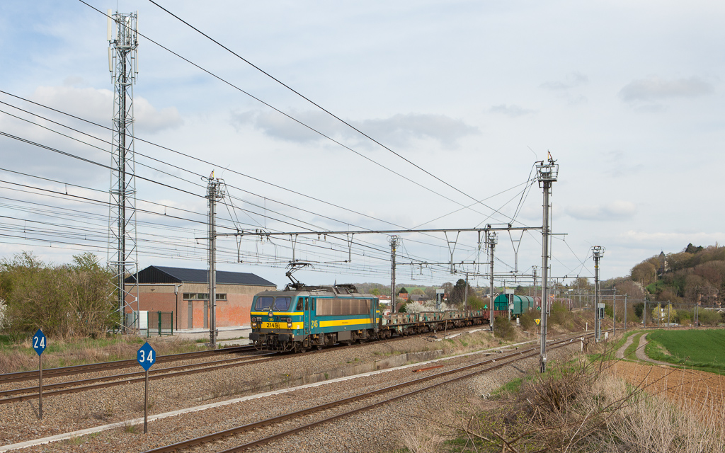 2145 with the Intervoorming 54201 (Kinkempois - Antwerpen-Noord) in Glons.