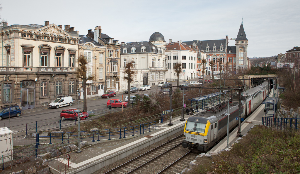 1895 + 1890 with the IC 536 (13:15 Eupen – Oostende 16:15) in Verviers-Palais.