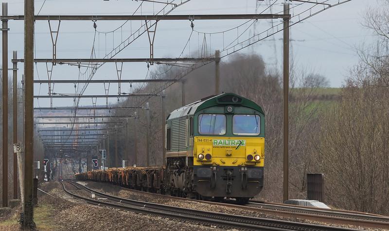 Railtraxx 266 031 brings baretables up the grade from Vise Haut in Dalhem.