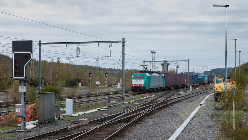 Railtraxx 2801 on the Frankfurt-Shuttle in Montzen.
