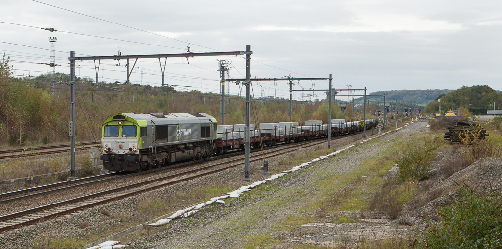 Captrain 6603 brings aluminum slabs east as 48515 (Kinkempois - Nievenheim/D) in Montzen.