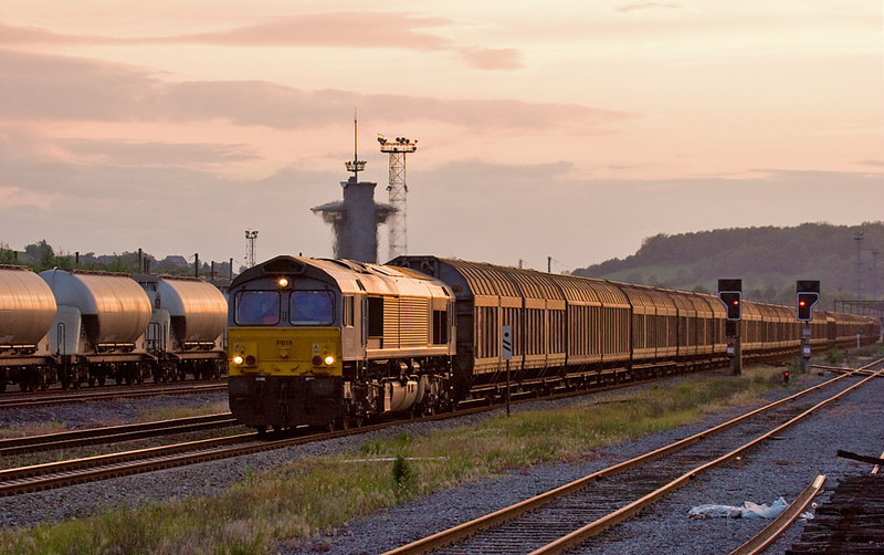The StoraShuttle paper train between Zeebrugge and Köln/D was long a staple for DLC. It was the heaviest train around and gave the class 66s a decent workout. Here's PB18 leading it through Montzen on a late summer evening.