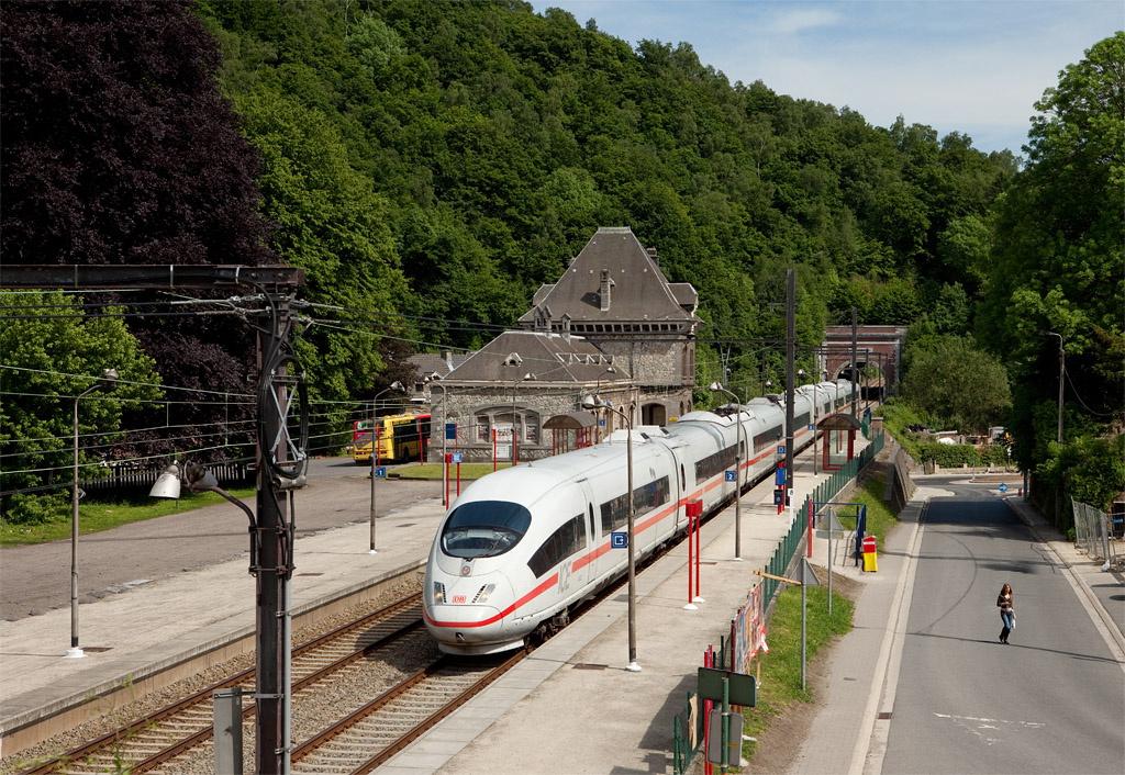 ICE headed for Liege and ultimately Paris Gare du Nord in Trooz.