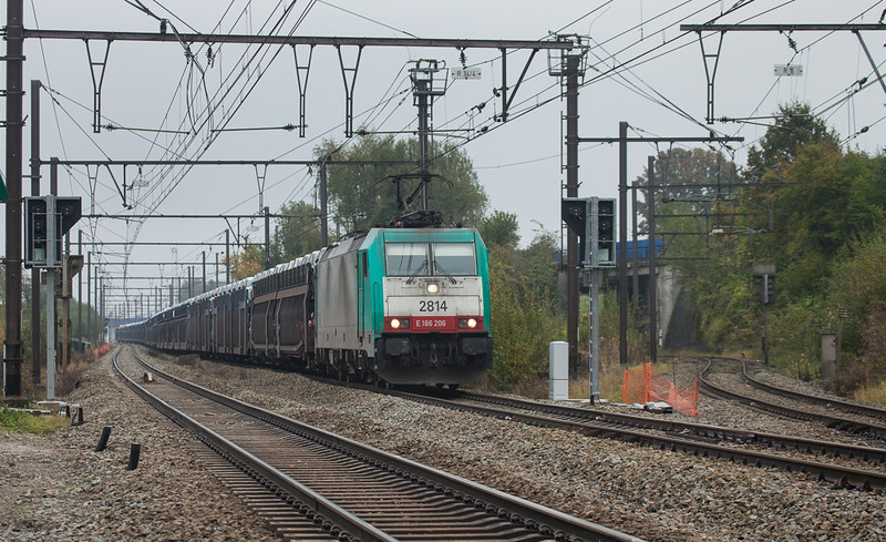 2814 with a train load of new Peugeots in Hindel.