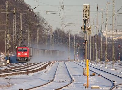 185 305 hustles west with the Ambrogio intermodal train DGS 40242 (Gallarate/I - Oorderen/B) through Stolberg.