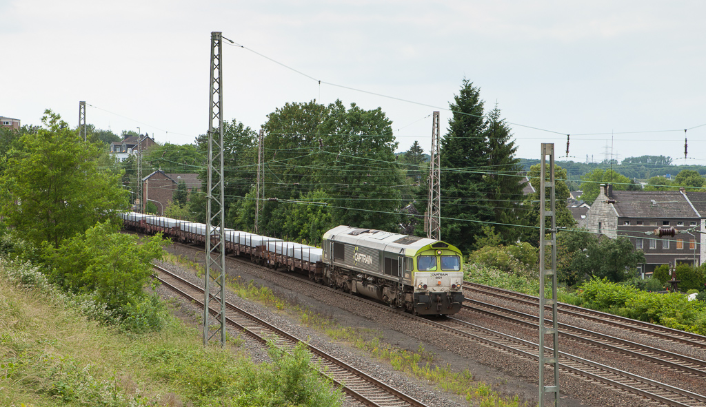 Captrain 6601 with the aluminium train 48515 (Kinkempois/B - Nievenheim) in Eschweiler. This train was detoured due to an accident further north - lucky coincidence!