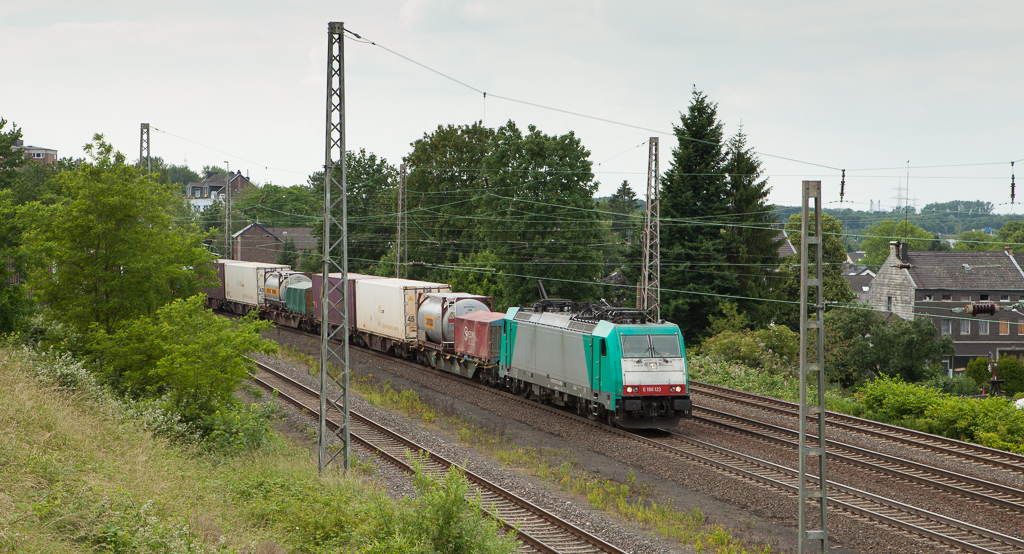 Railtrax 2801 leads the Frankfurt-Shuttle through Eschweiler