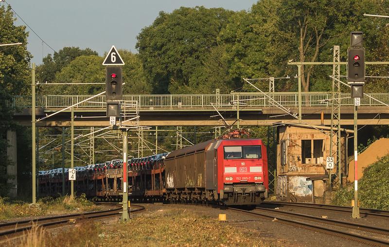 152 085 with the 47544 (Osnabrueck - Muizen-Goederen/D) in Lindern.