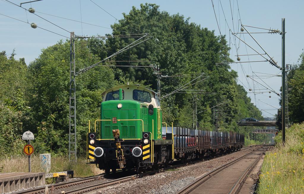 Brohltal Eisenbahn 295 049 with a diverted aluminium train Spellen (Voerde) - Koblenz in Kohlscheid.