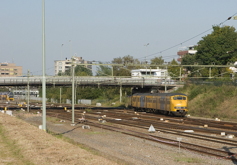 In late summer 2008 a number of Plan V assignments around Sittard were still running. Veolia replaced their leased units with GTW 2/6s and 2/8s later in the year, only NSR stills runs the old EMUs in the area. Here one of them leaves Sittard station bound for Heerlen and Kerkrade.