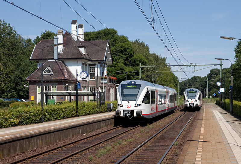 Stadler GTWs running between Kerkrade Centrum and Maastricht meet in Klimmen-Ransdaal along the Heuvellijn.