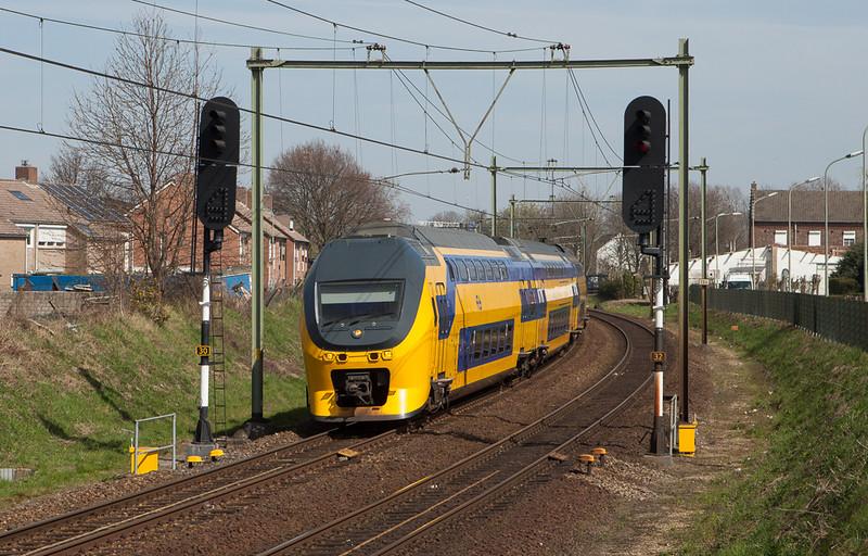 VIRM to Maastricht in Beek-Elsloo.