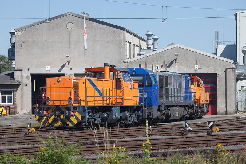 Northrail DE 1002 272 006, RBH G2000 902, Northrail Gravita 10BB 1261 301 in front of the HGK shops in Brühl-Vochem.