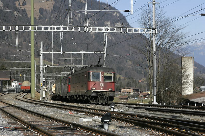 SBB Cargo shows up at Frutigen with an international Re 4/4 II (termed class 421) being helped by an Ae 6/6.