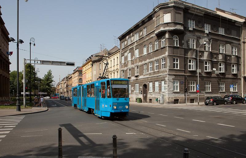 Tatra KT4YU 334 on line 9 near the central station.