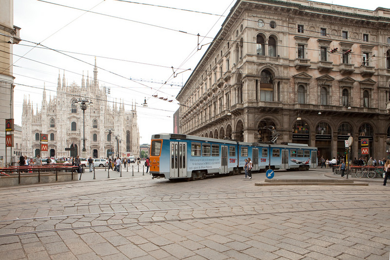 Milano - a Breda-built articulated car passes the Duomo (cathedral).