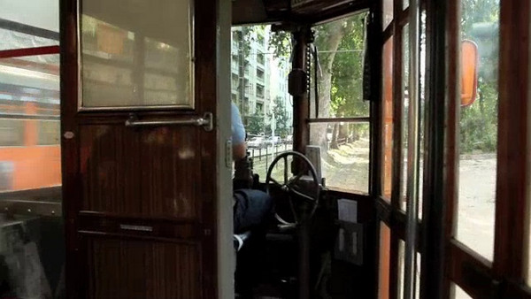 Milano - movie of ride with one of the Peter Witt trolleys.