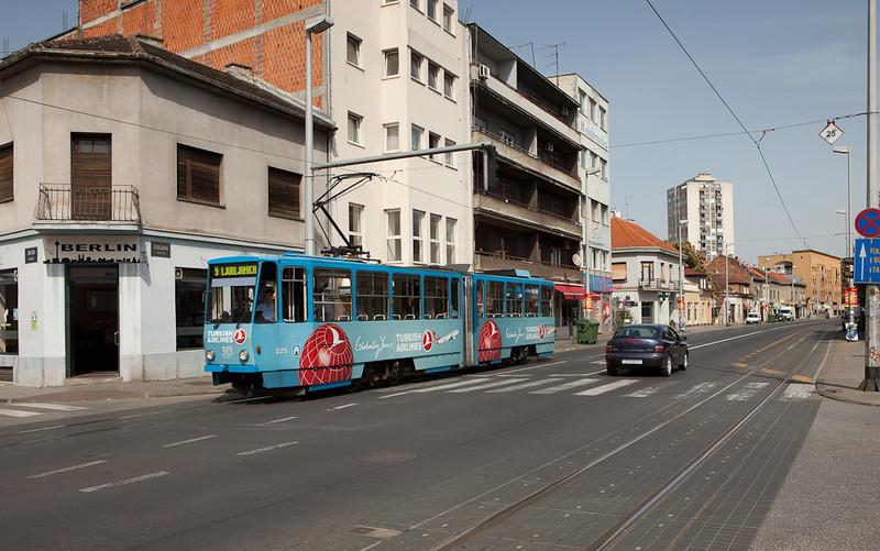 Tatra KT4YU 325 on line 9 near Tresnjevka Trg.
