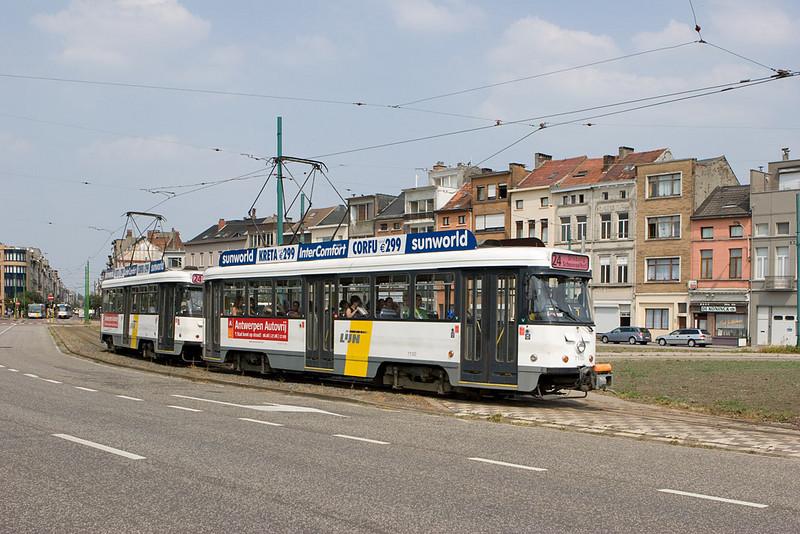 Antwerp/B - trolley on line 24.
