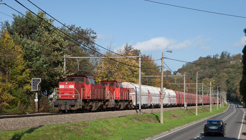 DBS-NL 6505 + 6513 on the 49633 (Beverwijk/NL - Jemelle) between Vise and Argenteau.