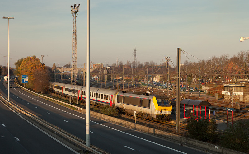 Twilight for the 13s. 1359 pushes IC-O to Maastricht in Vise Bas.