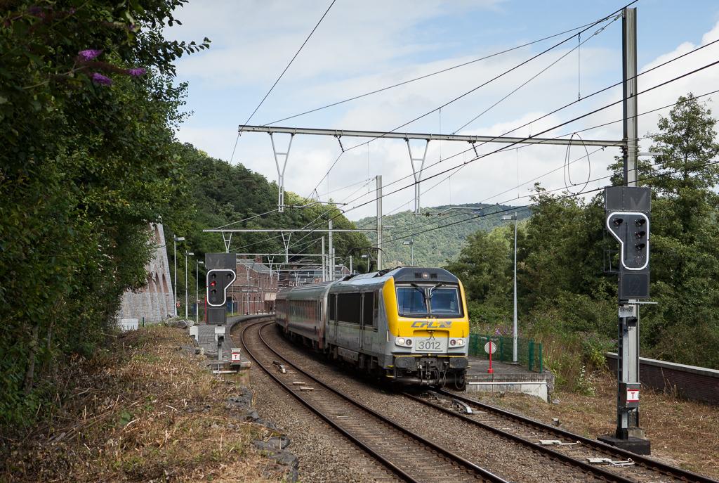 CFL 3012 with an IC Liege-Guillemins - Ettelbruck/L in Tilff.