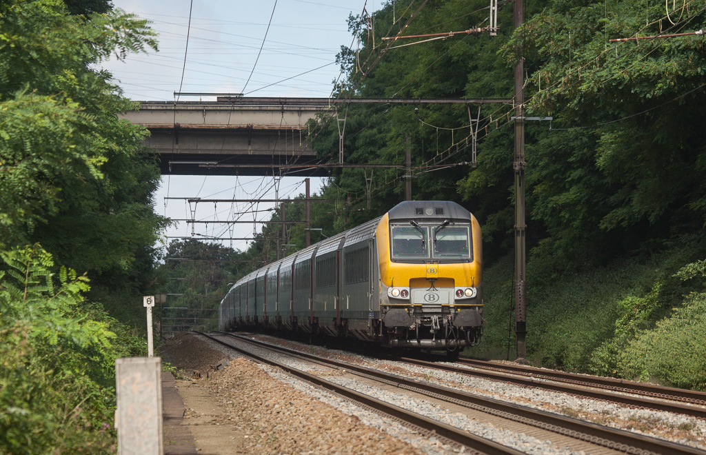 IC-A to Eupen starts down the Plan Incline to Liege-Guillemins.
