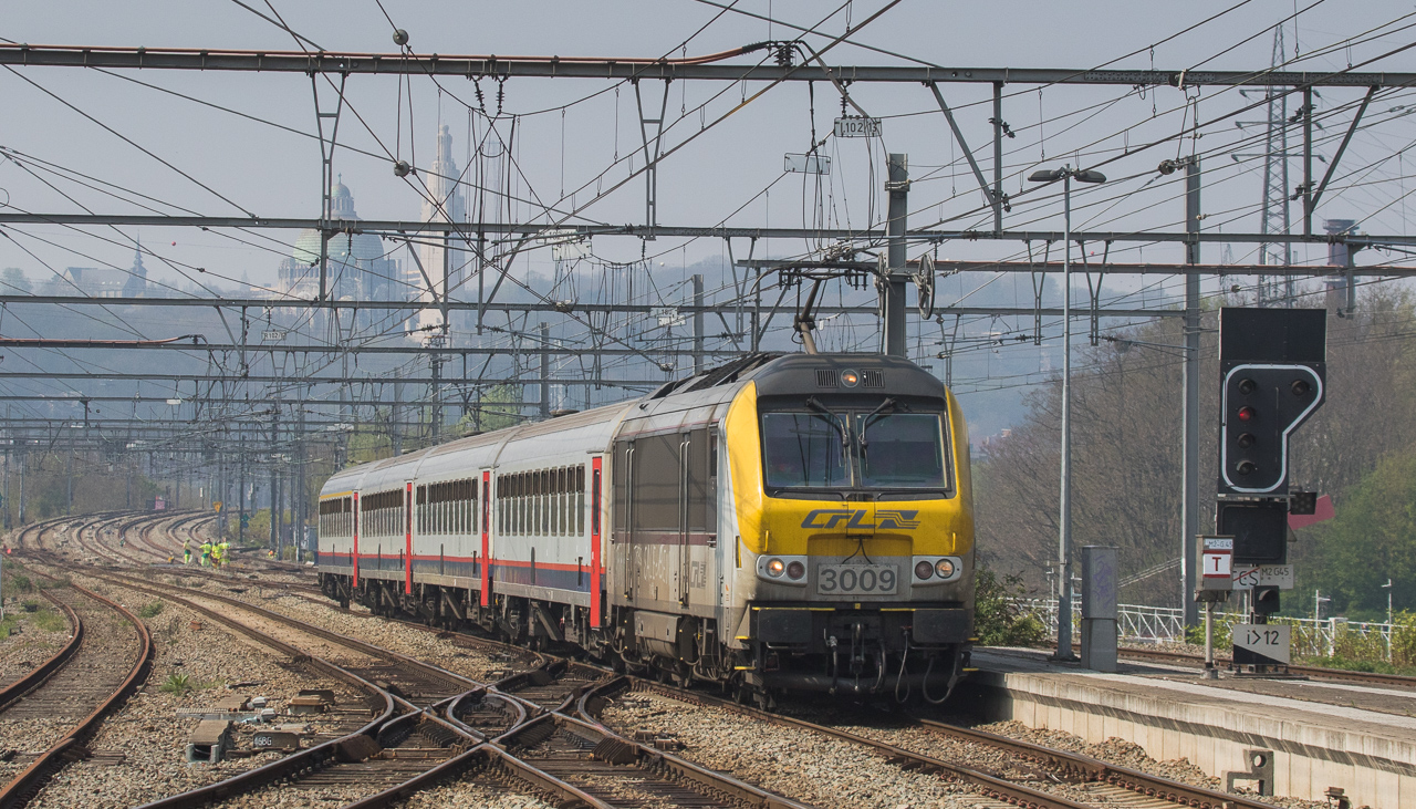 CFL 3009 with IC to Luxembourg in Angleur.