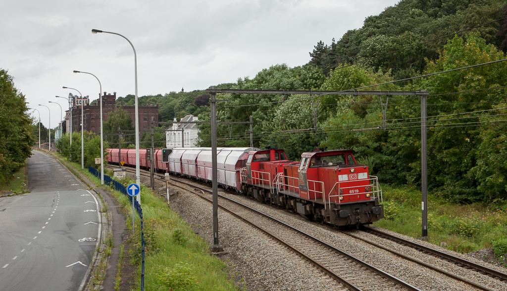 6519 + 6505 on the 47613 (Beverwijk/NL - Jemelle) in Argenteau.