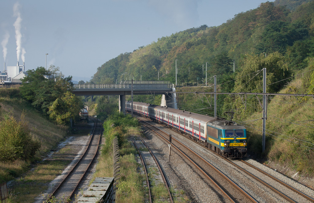 2140 with a passenger train in Engis.
