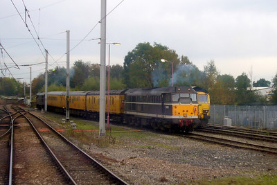 31190 and 31459 with 66511 in High Wapping sidings as 156424 leaves Carlisle.