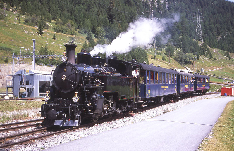 FormerFurka-Oberalp No4 arrives intoDFB platform atOberwald having come over the Furka pass with the 10:15 departure fromRealp, 30/7/2012.