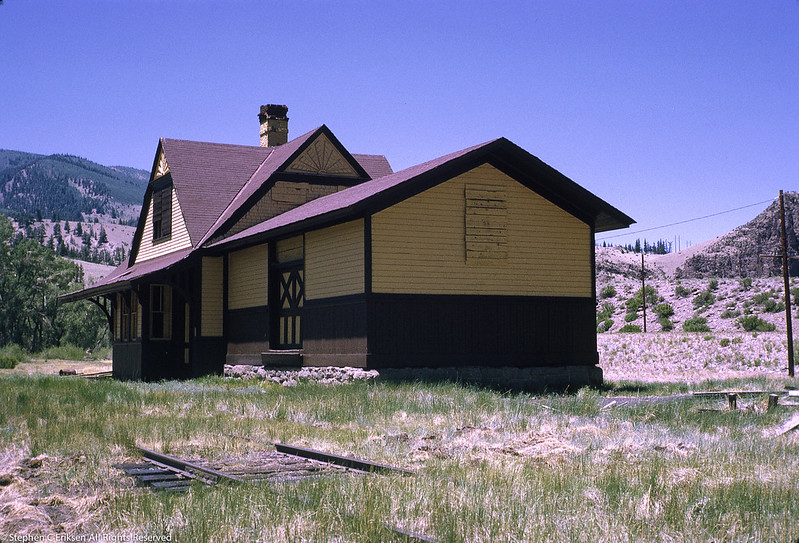 End view of the Wagon Wheel Gap station taken in July 1970