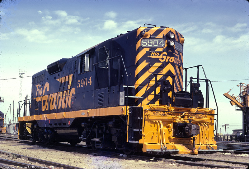 OK, OK, I had to add this shot because the paint scheme looked so fresh.  GP-9 number 5904 in June of 1972.