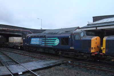 37601 in the gloom at Workington on 6M60, 08/02/10.