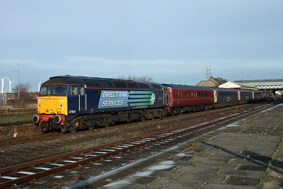 47501 Craftsman at Workington on the shuttles, 04/01/10.