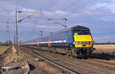 82206+91106 JOAN CROFT JUNC 1E16 13.30 Edinburgh-Kings X