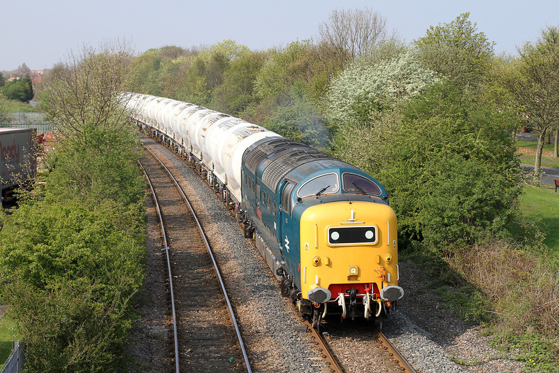 55022 Approaches North Seaton With The 15.03 Lynemouth-N.Blyth Trip on Tues,19-4-2011.