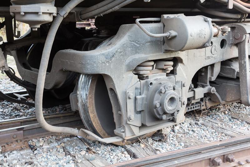 Short end truck derailed