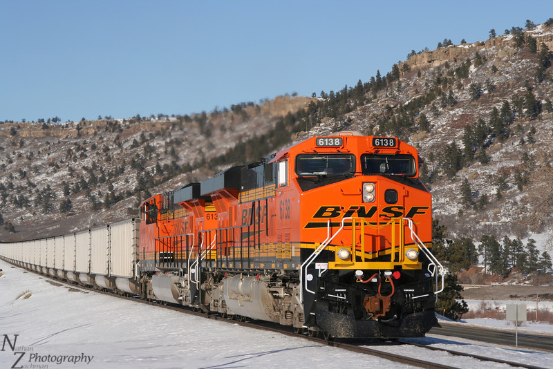 BNSF 6138 ES44AC, southbound coal load at Larkspur Colorado, January 9, 2007