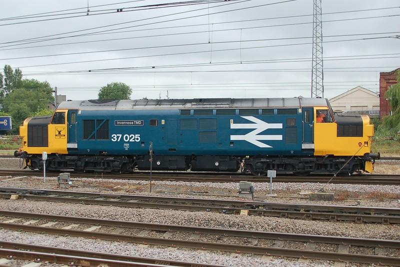 37025 Inverness TMD - Doncaster - 30 June 2017