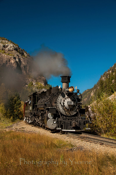 480 Pulls Southbound Train near Elk Park