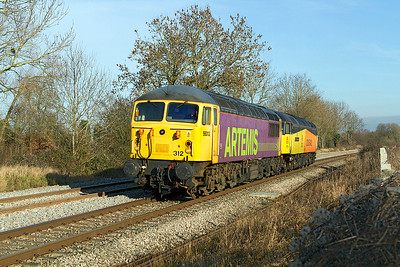 56312 'Artemis' & 47739 'Robin of Templecombe' pass Gossington running as 0Z76 12.00 Washwood Heath to Tavistock Yard light engine move. 19th January 2011.