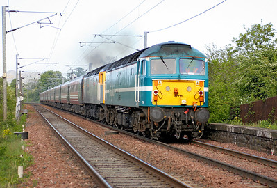47714 & 47813 'John Peel' power through Kingsknowe on the exit from Edinburgh with 1Z48 Edinburgh to Crewe returning excursion. 27th May 2006.