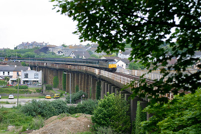 47832 crosses Hayle Viaduct with 15.32 Paddington to Penzance. 7th June 2003.