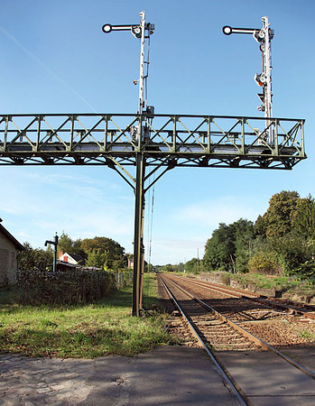 Signal gantry Muncheberg. 22nd September 2010.
