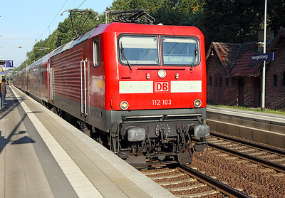112 103 arrives at Hangelsburg on a service to Frankfurt (Oder). 23rd September 2010.