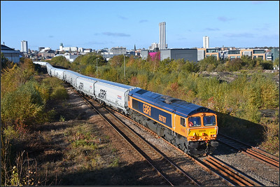 2018 10 27 66787 on the 13.54 Lynemouth p.s.-Tyne Coal Terminal empty hoppers at Gateshead in stunning winter light.