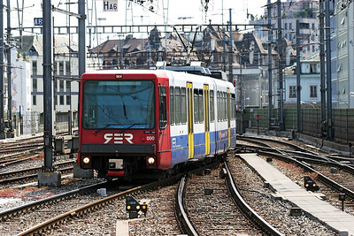 Rhone Regional Express BEM 550 000 arrives at Geneva from La Plaine. 30th May 2007.